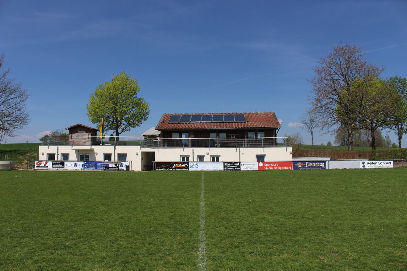 Vereinsheim-Sicht_Sportplatz.jpg